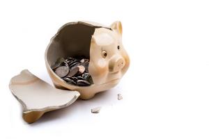 broken-piggy-bank-1472485086TZz